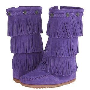 Minnetonka fringe boot size 13. Brand new!